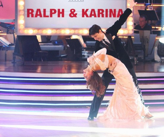 Dancing With The Stars Karina Smirnoff Thinks The Dance Floor Is Jinxed After Falling With Ralph Macchio Tv