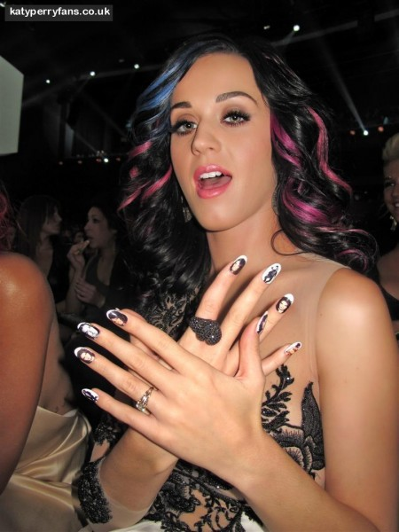 Katy Perry At Vmas With Custom Russell Brand Minx Applied And Photographed By Kimmie Kyees Large And Russell Brand