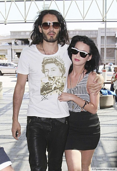 Unfollow Russell Brand Unfollows Ex Katy Perry Twitter And Russell Brand