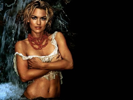 Kelly Carlson Wallpaper