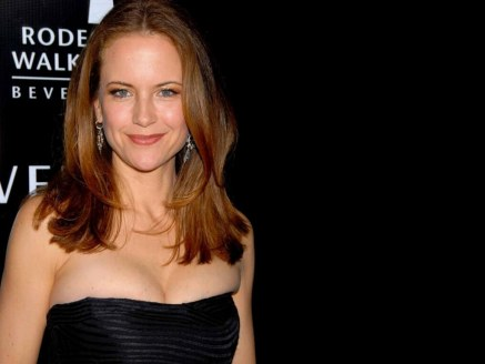 Kelly Preston Wallpaper Normal