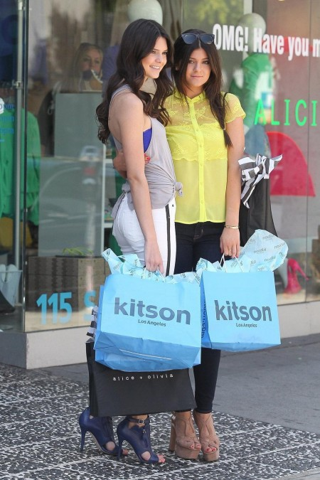 Kendall And Kylie Jenner Yello Kendall And Kylie Jenner