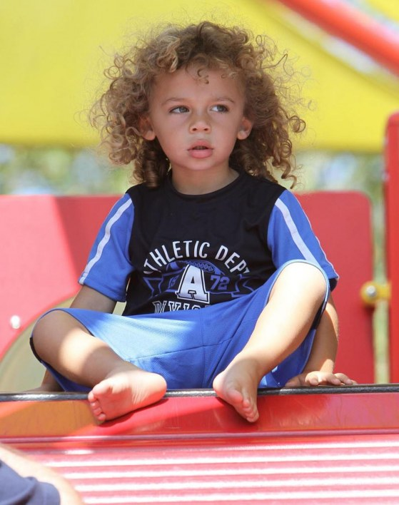 Kendra Wilkinsons Son Hank Has Hair Raising Experience Hair