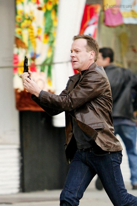 Kiefer Sutherland Gun Set Photos