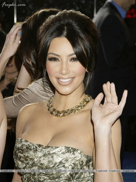 Hot Kim Kardashian At Peoples Choice Awards Awards