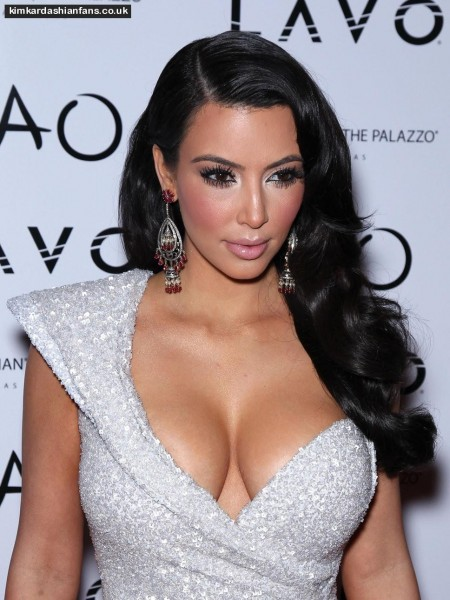 Kim Kardarshian Hot Pictures