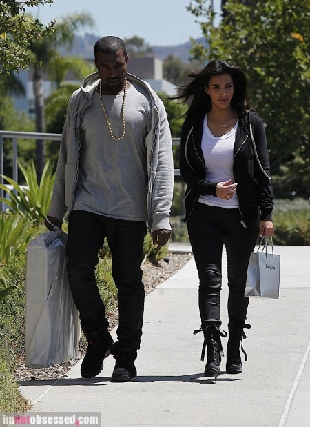 Kim Kardashian And Kanye West Do Some Shopping In Socal Shopping