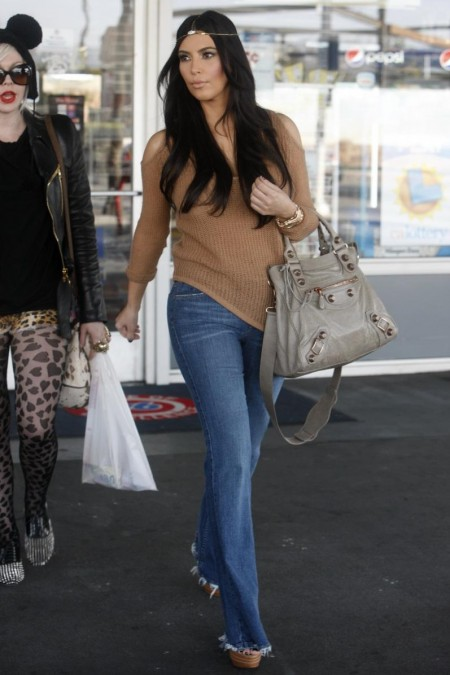 Kim Kardashian Head Ornament Shopping Chanel Los Angeles Shopping