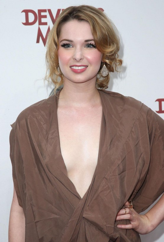 Kirsten Prout At Devious Maids Premiere In Pacific Palisades