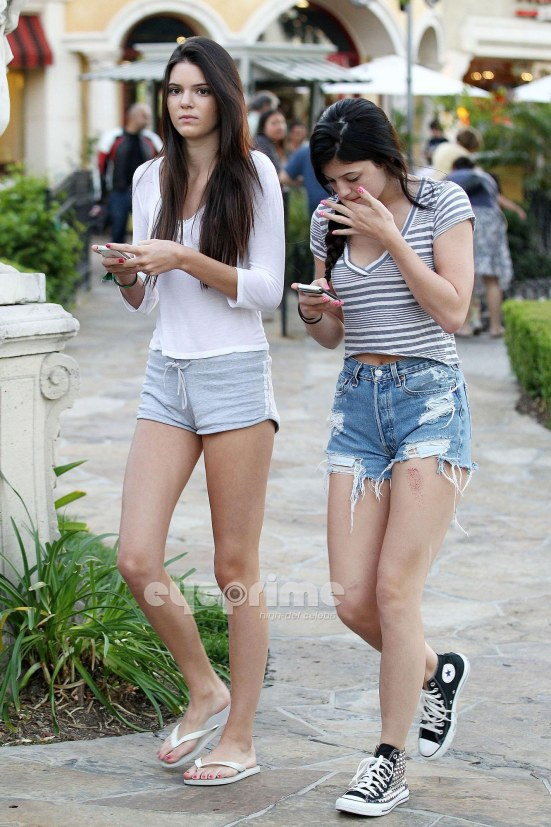 Kendall Kylie Jenner In Calabasas June Kylie Jenner