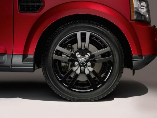 Land Rover Discovery Black Wheels