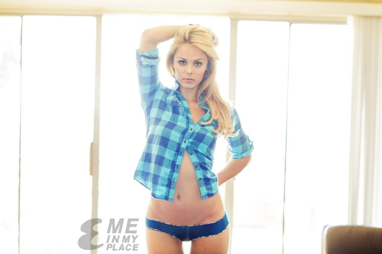 Laura Vandervoort Esquires Me In My Place Photoshoot Body