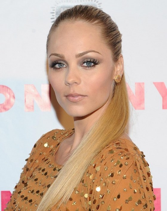 Laura Vandervoort Long Hairstyles Ponytail J Qf Diyxryx Body