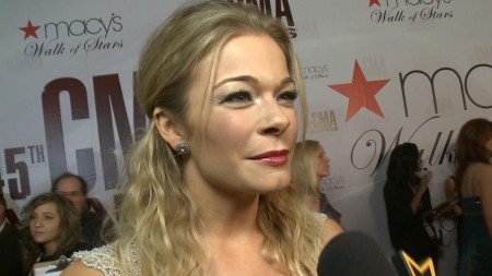 Cma Awards Red Carpet Leann Rimes Is Super Proud Of Lady And Gentlemen How Do Live