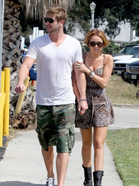 Liam Hemsworth And Miley Cyrus Cd