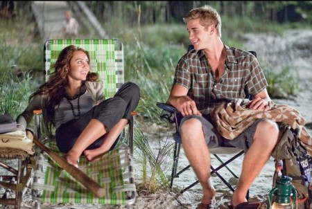 Liam Hemsworth And Miley Cyrus The Last Song Movie Image Liam And Chris Hemsworth