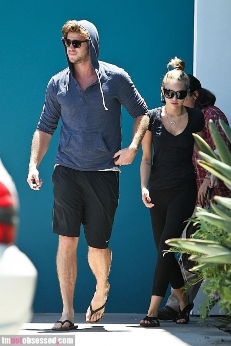 Miley Cyrus And Liam Hemsworth Are Pilates Pair And Miley Cyrus