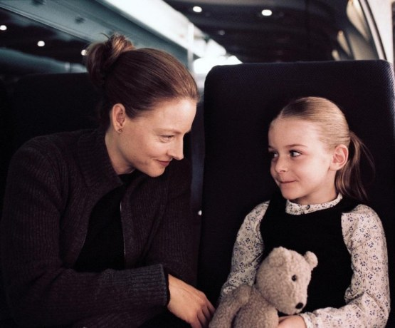 Still Of Jodie Foster And Marlene Lawston In Flightplan Large Picture
