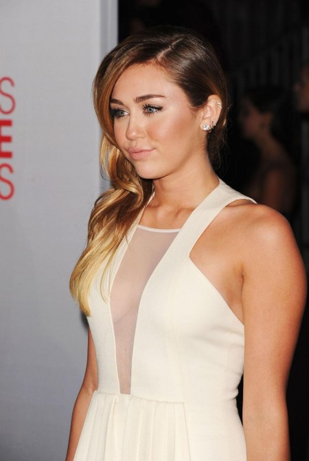 Miley Cyrus At The Peoples Choice Awards At Nokia Theatre In Los Angeles Awards