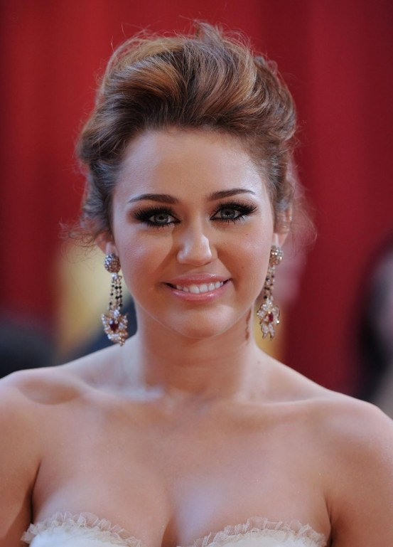 Miley Cyrus Hot Pictures Hot