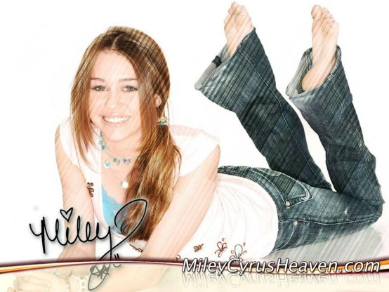 Miley Cyrus Wallpaper Background Wallpaper