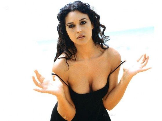 Monica Bellucci Linda Hot
