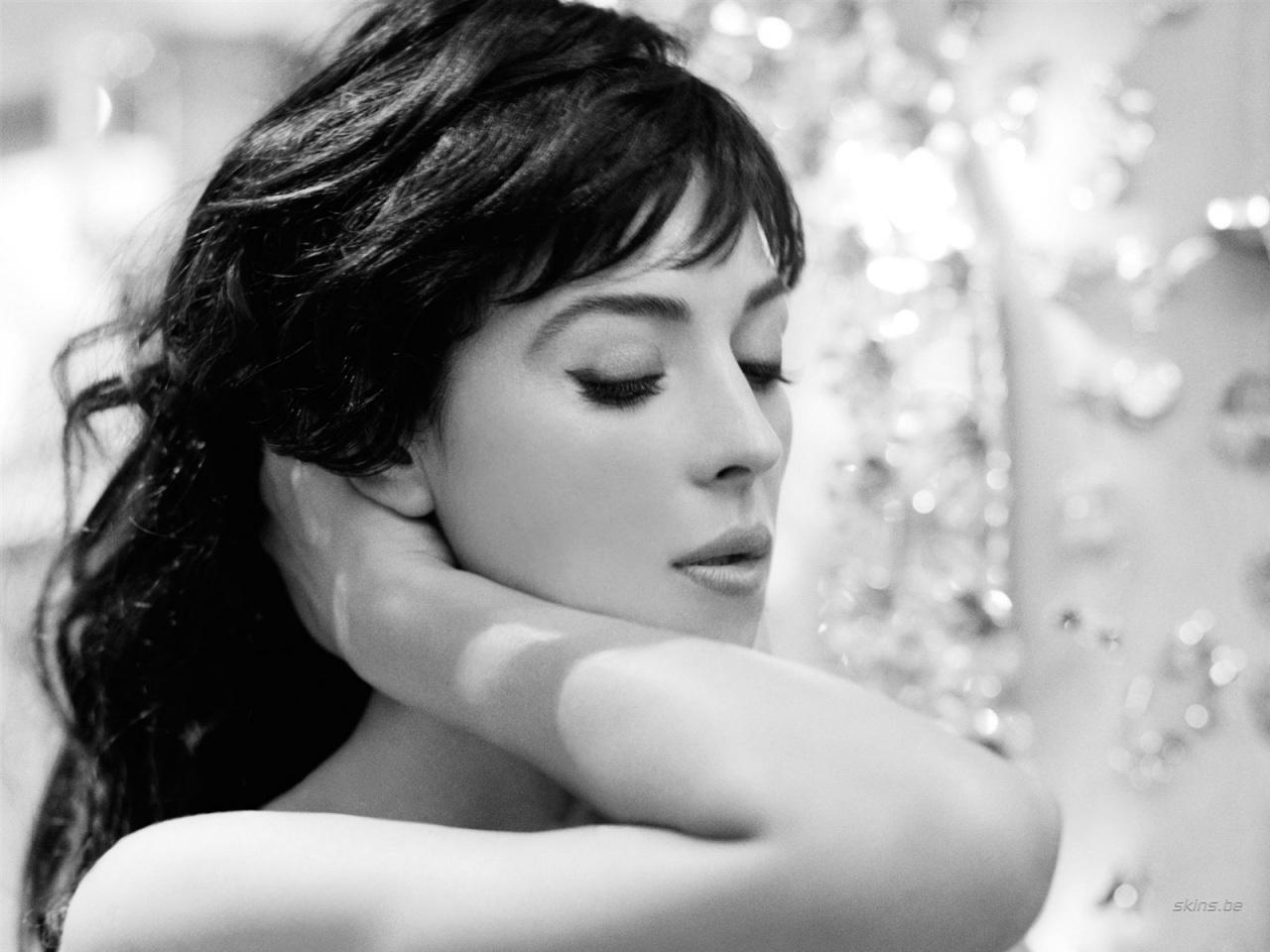 Monica Bellucci Wallpapers Real