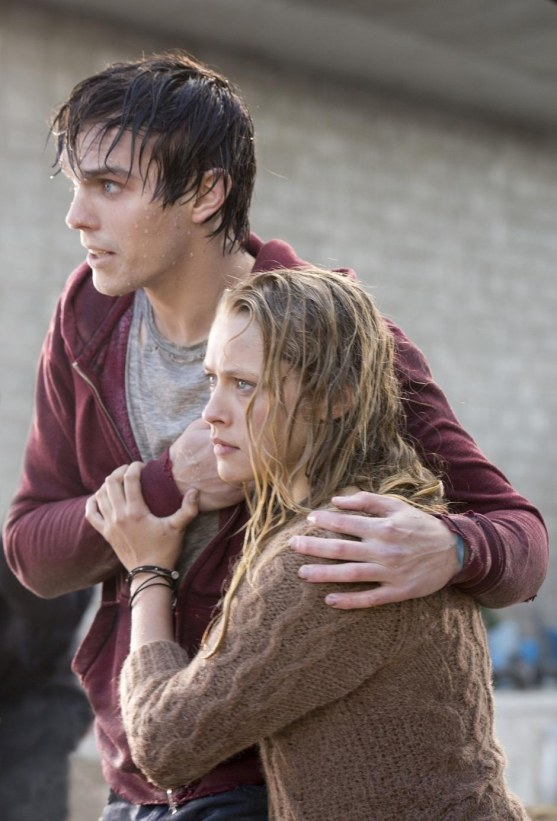 Nicholas Hoult And Teresa Palmer In Warm Bodies Movie Image Warm Bodies