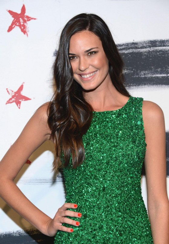 Odette Annable At Alice Olivia Fashion Show In New York New Girl