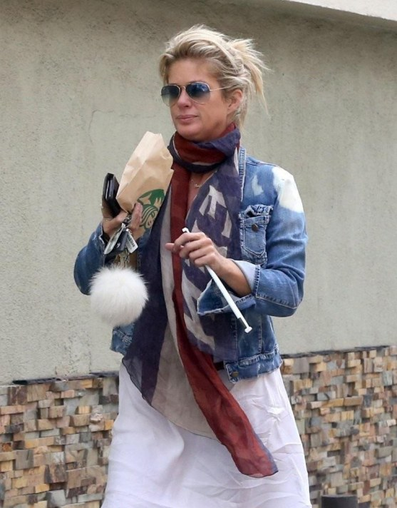 Rachel Hunter Rachel Hunter Makes Starbucks Pgs Ickb Dzx Robbie