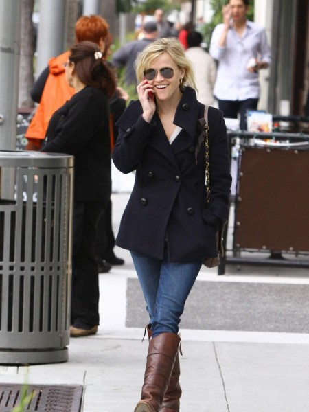 Reese Witherspoon Walks Down