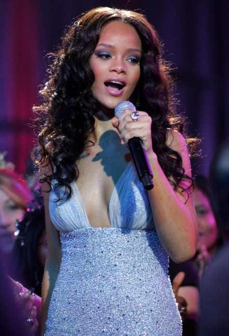 Rihanna Newyears Image Big Party