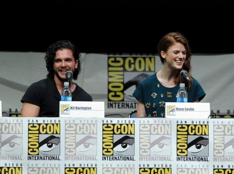 Conventions et autres sorties Kit-harington-and-rose-leslie-in-urzeala-tronurilor-large-picture-kit-harington-2117411705
