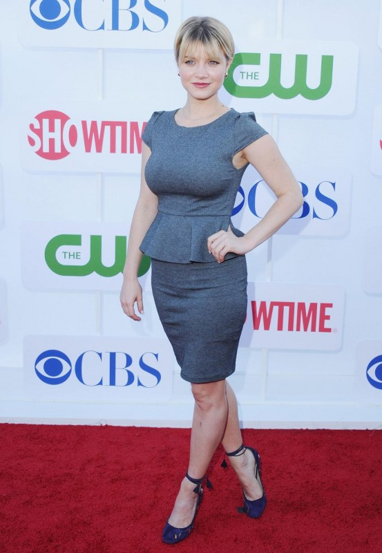 Sarah Jones At Showtime Tca Party In Beverly Hills