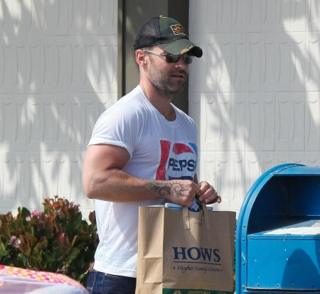 Seann William Scott Pepsi Shirt Grocery Store Young