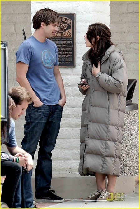 Sebastian Stan And Ashley Greene The Apparition Set Old Pictures Sebastian Stan