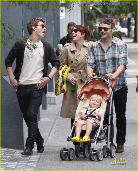 Bryce Dallas Howard Seth Gabel Son Theodore