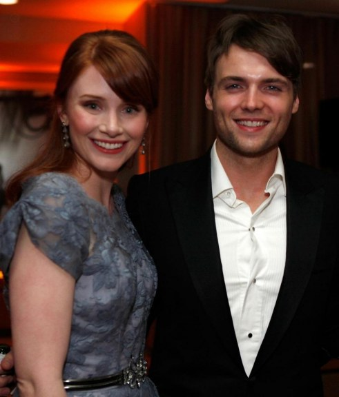 Seth Gabel And Bryce Dallas Howard Large Picture And Bryce Howard