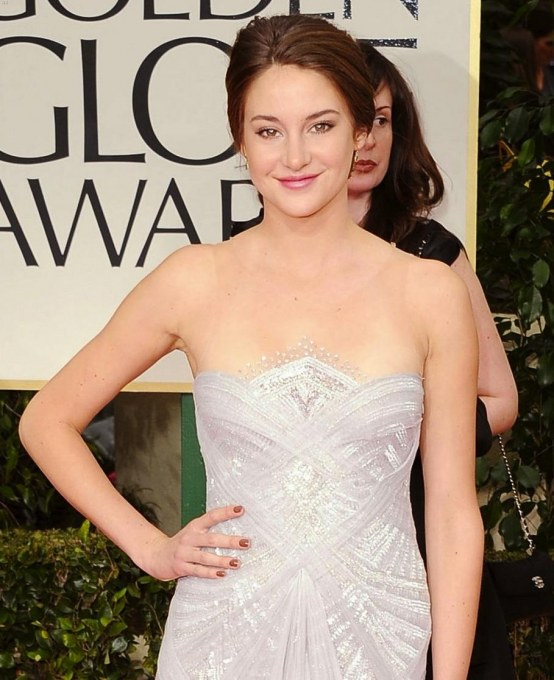 Shailene Woodley Golden Globes Red Carpet Hot