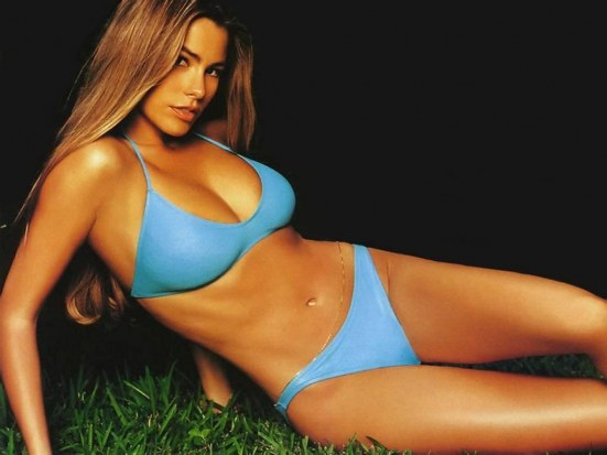 Desktop Wallpaper Sofia Vergara Young