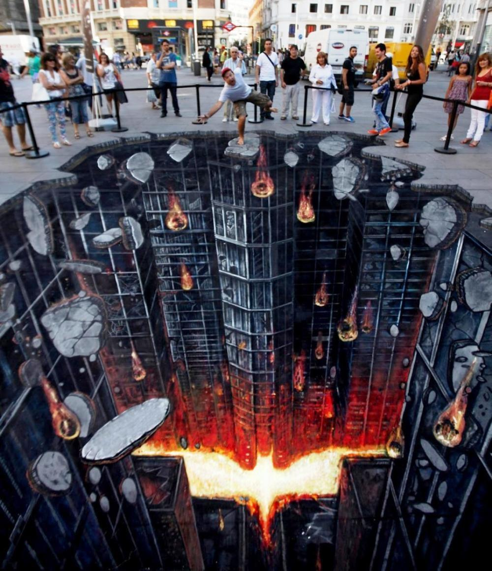 http://cdn23.us1.fansshare.com/photos/streetart/dark-knight-rises-street-art-madrid-974721156.jpg