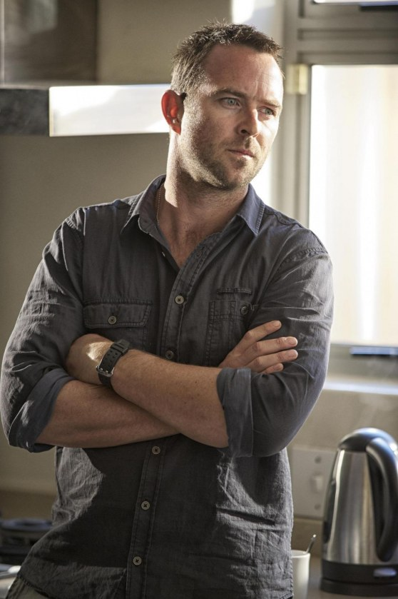 Picture Of Sullivan Stapleton In Strike Back Large Picture Strike Back Season