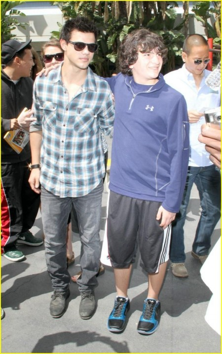 Taylor Lautner Lakers Game Easter