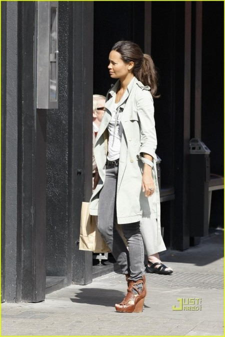 Thandie Newton Shopping Notting Hill London