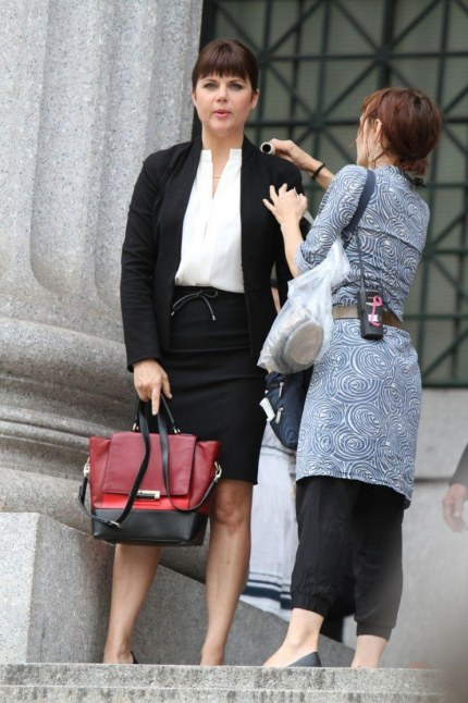 Tiffani Thiessen On The Set Of White Collar In Nyc White Collar