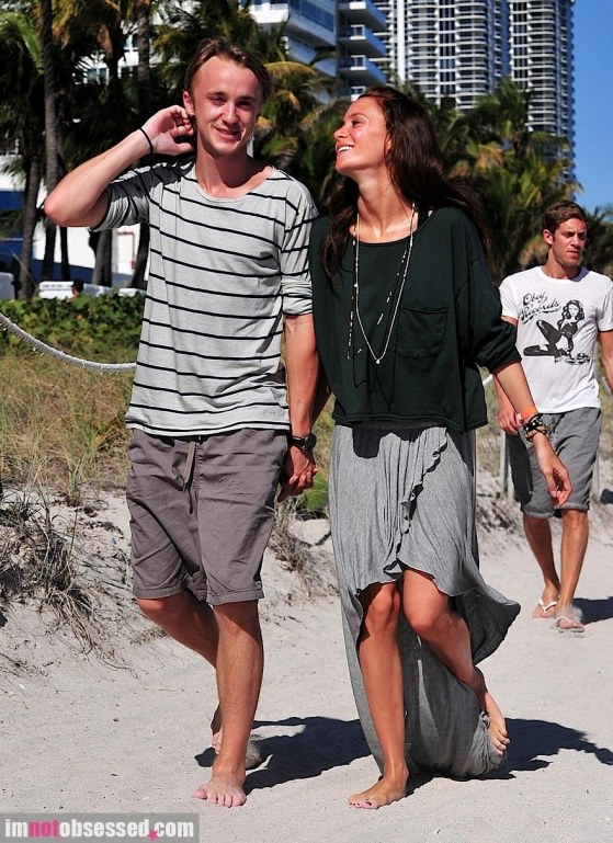 Tom Felton Jade Olivia Share An Intimiate Moment In Miami Girlfriend