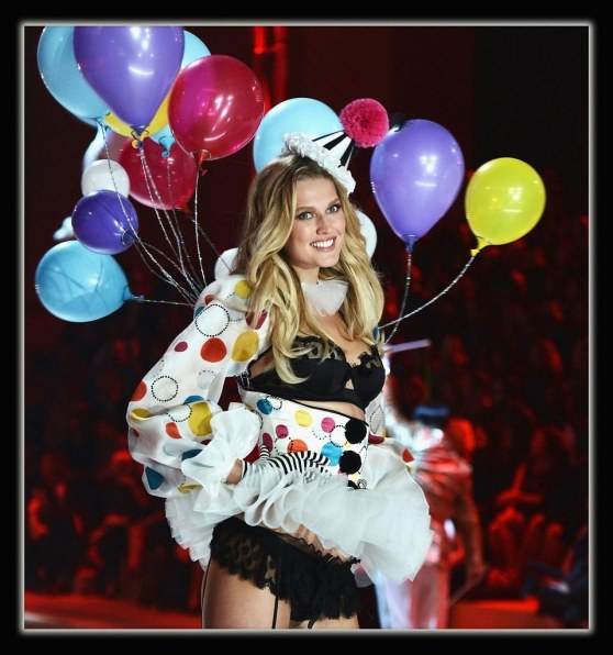 Toni Garrn Victoria Secret Fashion Show Ixoempltm Lx Victoria Secret