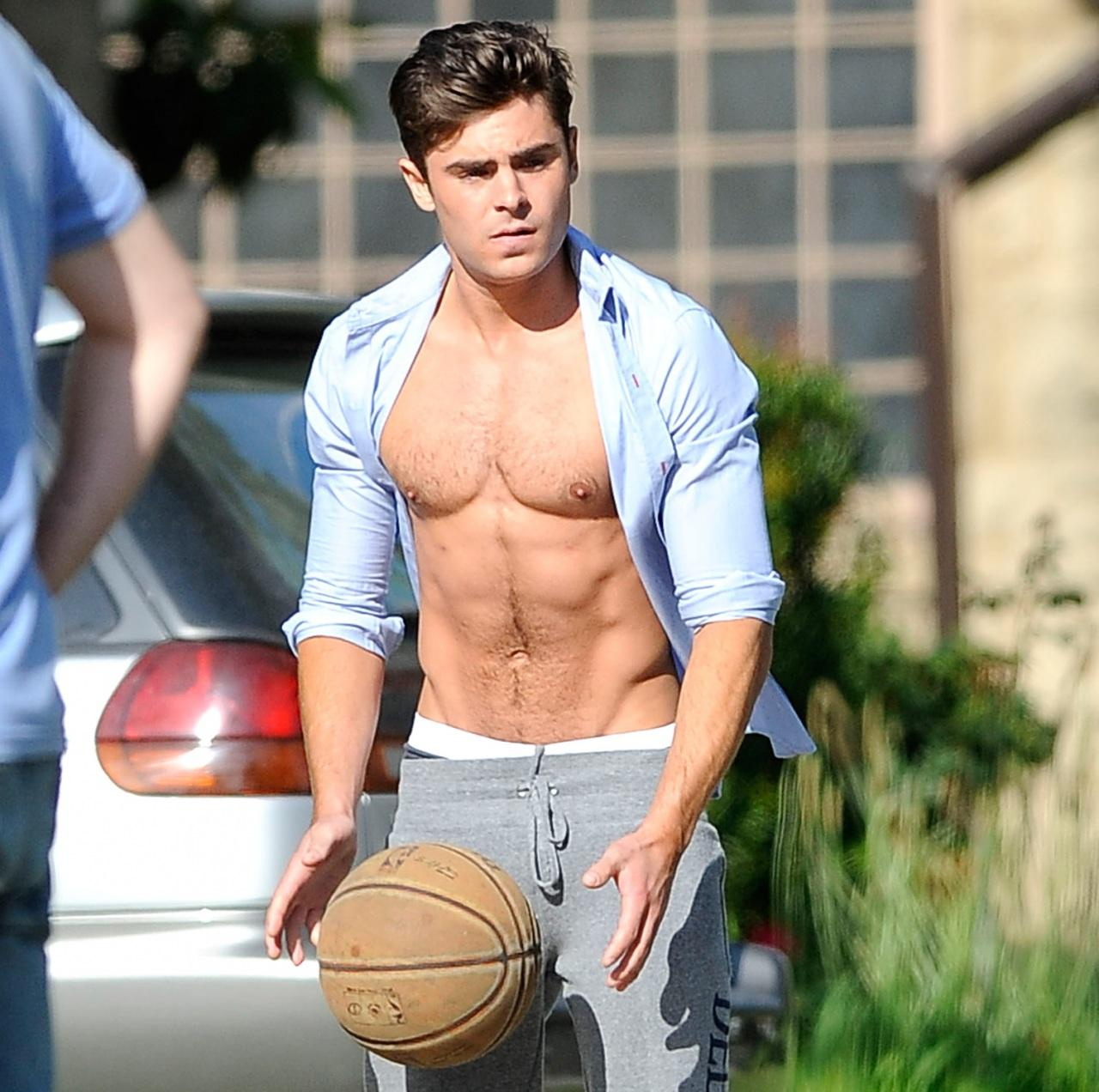 Zac Efron Shirtless Zoom Shirt Off